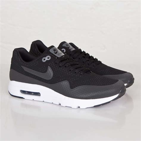Nike Airmax 1 Ultra Moire Premium Quality we offer all styles popular clothing and shoes with high