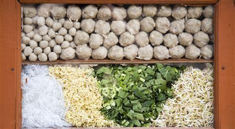 membuat bakso rumahan trik membuat bakso rumahan yang lezat sebat okezone