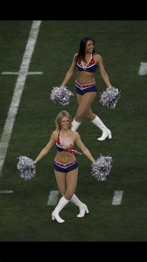 cheerleader wardrobe malfunctions youtube cheerleader wardrobe malfunctions new youtube packerboobs