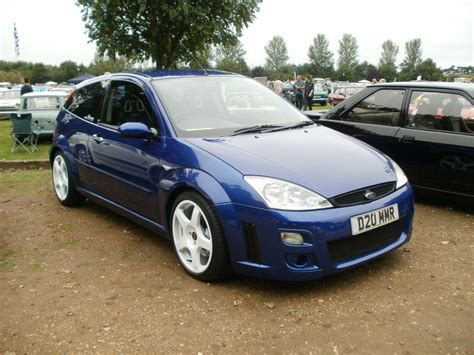 Ford Focus Rs Series Black And White Wheels imperial blue ford focus rs mk1 with white rims ford focus rs focus rs ford