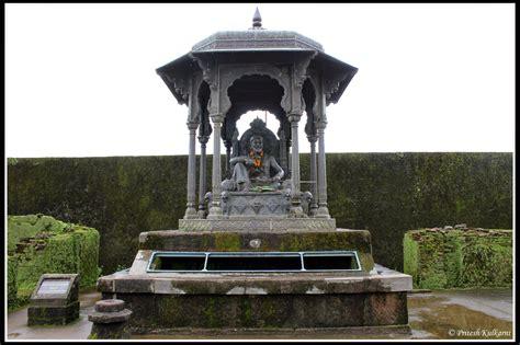 Shivaji Maharaj Raigad Fort Essay by Travel Blogs Monsoon Trip To Raigad Fort King Of Forts