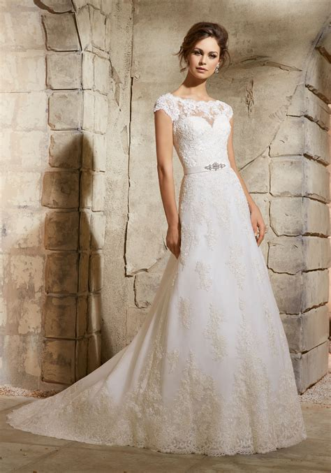 Wedding Dress Lace Border by Embroidered Lace Appliques On Net With Wide Border Hemline