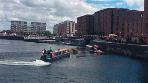 duck tour boat sinks liverpool learn duck boat sinks in liverpool jamson