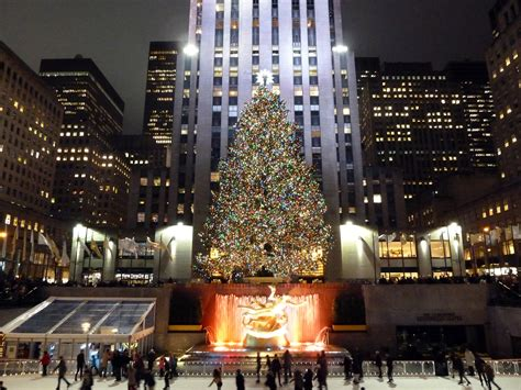 when do they remove rockefeller christmas tree file rockefeller plaza 11655103956 jpg wikimedia commons