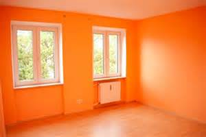 painting walls 2 different colors think outside the white paint box what different colors