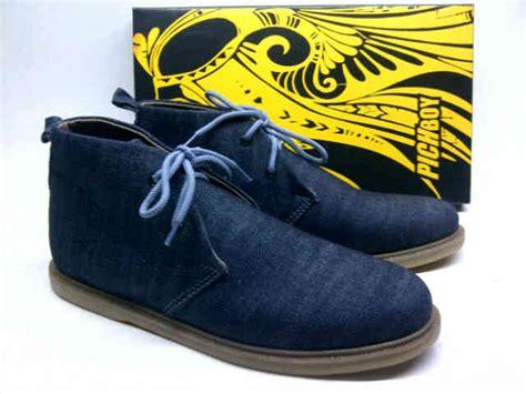 Pichboy Slip On Glosor Black pichboy pleteran koboi high denim blue black laalashoes