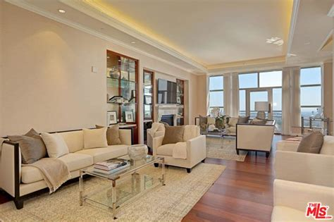yolanda foster living room yolanda hadid house the reality lists in westwood trulia