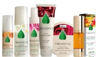 Lipstik Skin Care organic makeup line style guru fashion glitz style unplugged