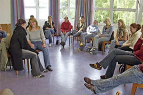 Bewerbung Ausbildung Heilpadagogin Evangelische Fachschulen Osnabr 252 Ck Heilp 228 Dagogik