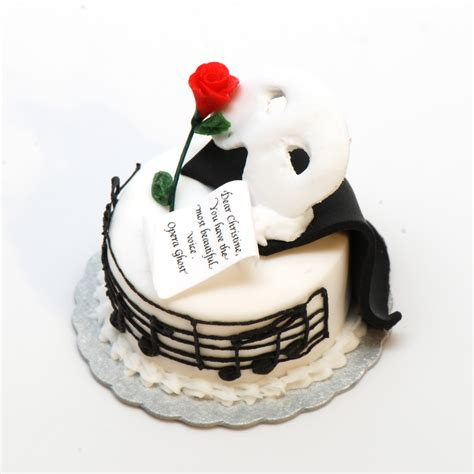 Phantom of the Opera Cake   Stewart Dollhouse Creations