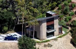 robert homes where vires live robert pattinson real vs