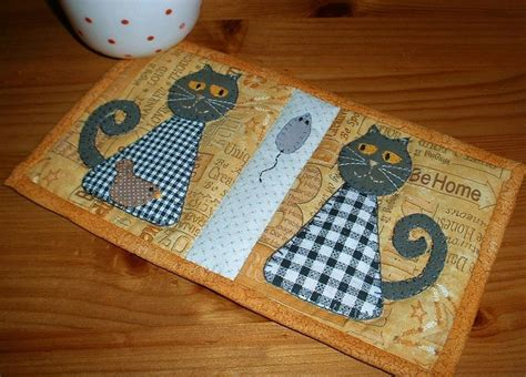 free black and white crafts patterns on craftsy black and white cats mug rug by the patchsmith craftsy