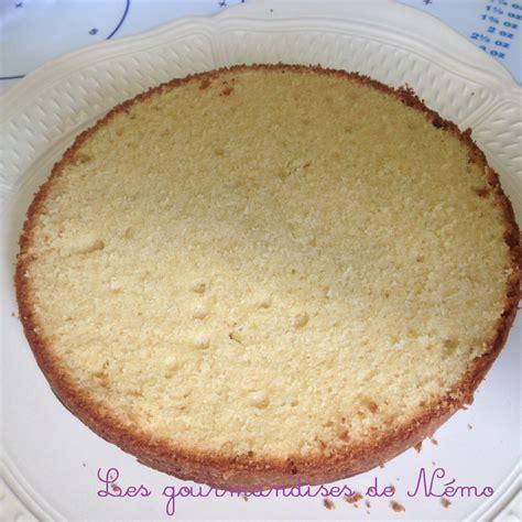 Decorer Gateau Pate A Sucre by G 226 Teau Simple En P 226 Te 224 Sucre Vanille Et Curd Framboise