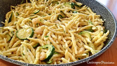 come cucino le zucchine pasta zucchine e gamberetti cucino per passione