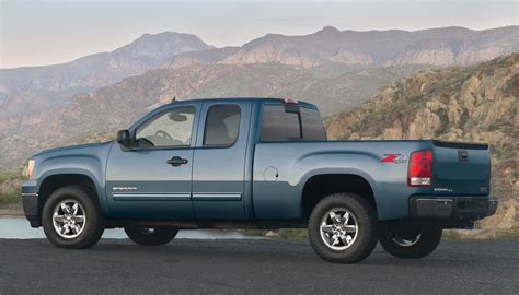 2012 gmc reviews and rating motor trend