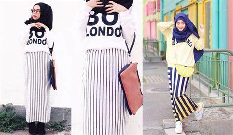 Crop Stripe Atasan Garis Atasan Crop Kaos Stripe buat yang bertubuh mungil 4 mix and match dan rok panjang ini bikin kamu makin