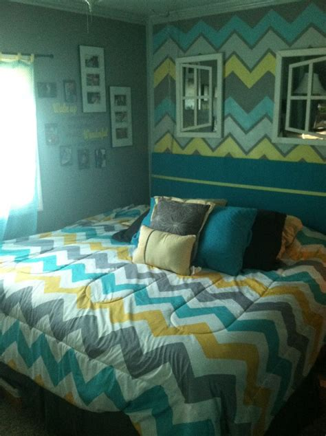 Aqua Themed Bedroom by Chevron Themed Bedroom Using Yellow Gray Turquoise