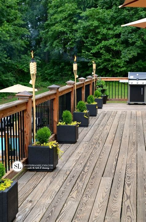 Decorating Decks by Best 25 Deck Decorating Ideas On Outdoor Deck