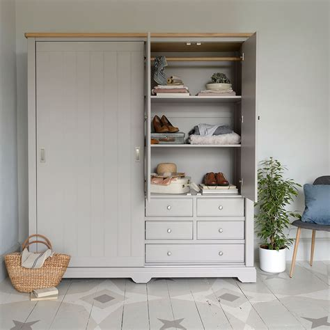Decorated Wardrobes - small bedroom ideas how to decorate a small bedroom