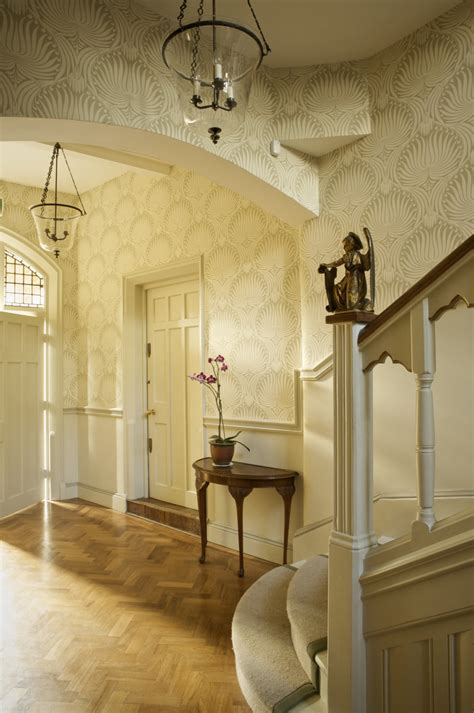 gold wallpaper hallway 5 deliciously decadent wallpaper ideas the chromologist