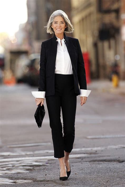 wardrobe fashion women over 60 ţinute elegante pentru femei de 50 de ani yve