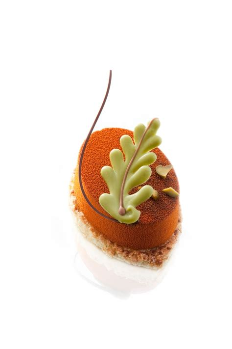 haute christmas dessert 358 best haute couture images on desserts plated desserts and sweet treats