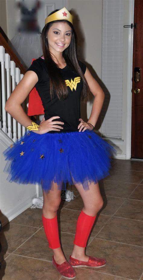 diy super hero costume  woman kostueme halloween kostueme selbstgemacht halloween