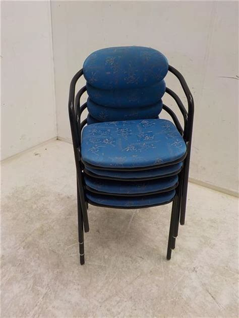 blauwe kantoorstoelen stichting de goede winkel