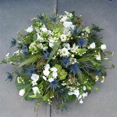 Best Flowers For Funeral by 17 Best Ideas About Funeral Flowers On Funeral