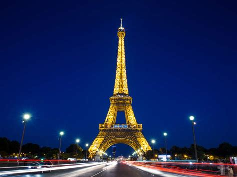 home of the eifell tower this is how much it costs to light the eiffel tower every day