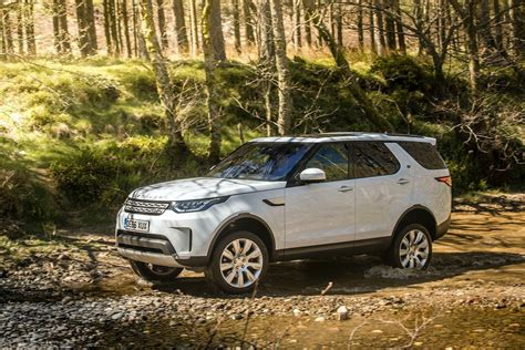 all new land rover discovery drive co uk the 2017 all new land rover discovery reviewed