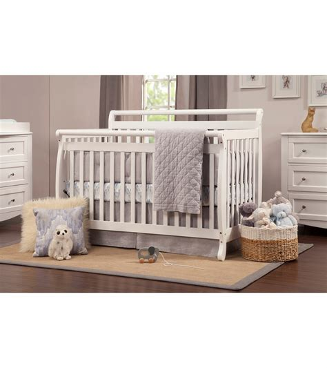 Davinci Emily 4 In 1 Convertible Crib In White Davinci Emily 4 In 1 Convertible Crib With Toddler Rail