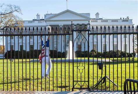 white house fence jumper documents white house fence jumper left suicide note world news the philippine