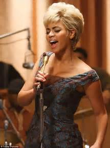 What Song Did Beyonce Sing In Cadillac Records Etta Beyonce Pays Tribute After At Last