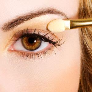 Eyeshadow Satu Warna memilih warna eyeshadow yang cocok untuk warna baju ungu