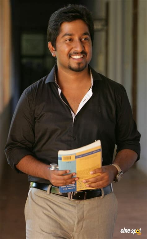 Vineeth Srinivasan in Om Shanti Oshana Photos (2)