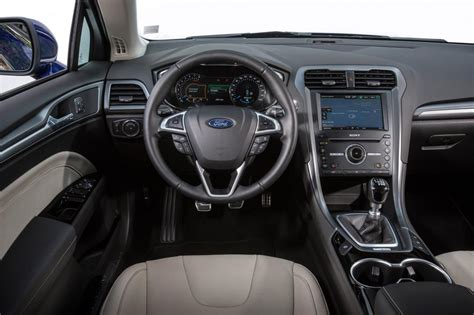 New Mondeo Interior by Ford Mondeo 2014 Pictures Auto Express