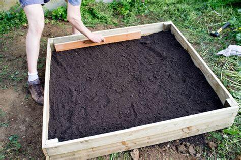 godiche diy fabriquer un potager carr 233 en bois godiche