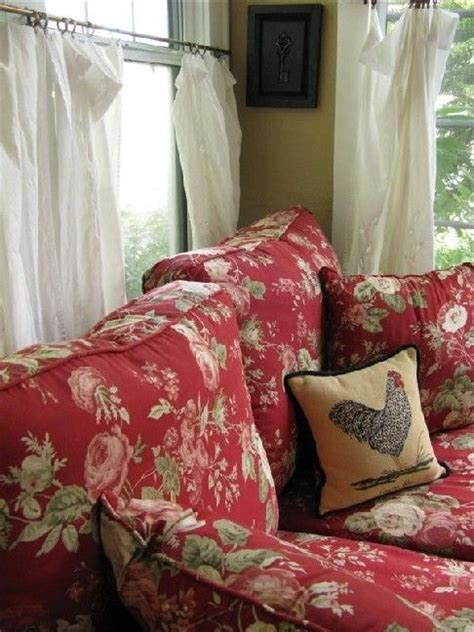 red floral couch best 25 floral sofa ideas on pinterest floral couch