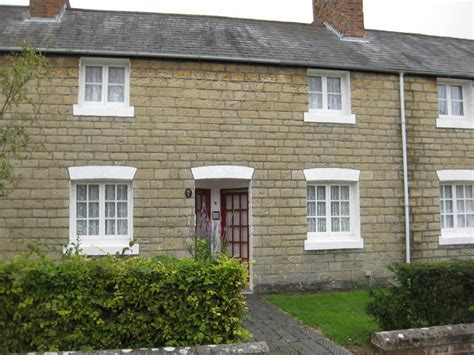 2 bedroom houses for sale in swindon 2 bedroom terraced house for sale in railway village