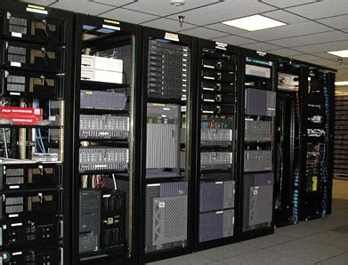 blade server rack cabinet what is the difference between rack and blade servers