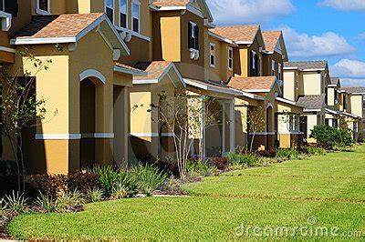 imagenes de casas urbanas casas urbanas fotos de archivo imagen 7319033