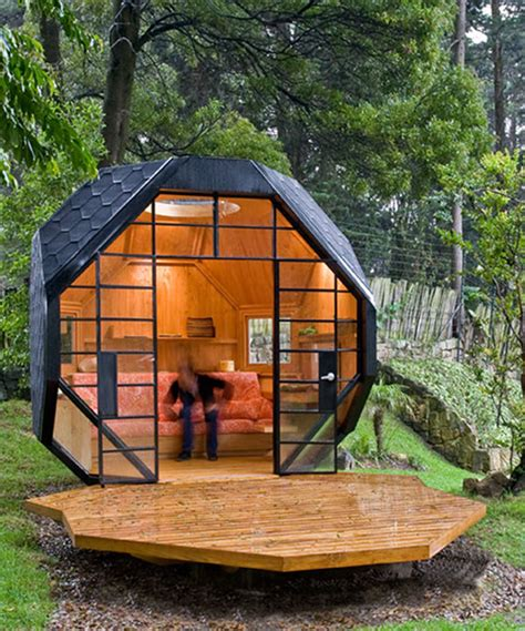 tiny house in backyard tiny houses backyard cottages and other micro dwellings flavorwire