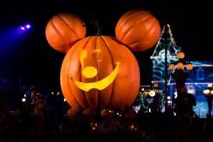 circotic halloween party 2017 mickey s halloween party disneyland dates 2017 popsugar