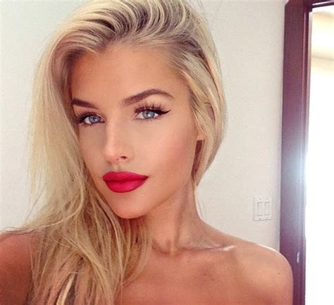 blonde girl with red lipstick red lips makeup for blondes make up pinterest