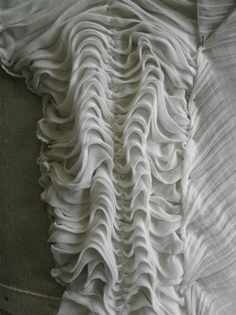 Bmc Moda Motif White fabric manipulation sle gathered ripples surface texture inspiration for fashion design