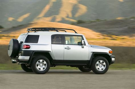 Toyota Fj Cruisers 2012 Toyota Fj Cruiser Review Specs Pictures Price Mpg