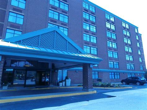 quality inn hamilton 1000 images about quality hotel hamilton exterior on