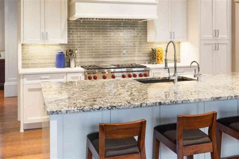 pulire piastrelle cucina stunning piastrelle top cucina pictures ideas design