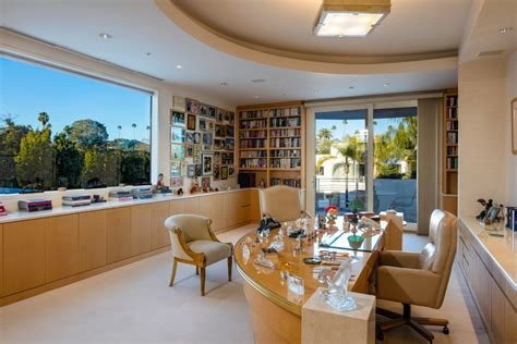 jackie collins sizzlin beverly hills mansion lists